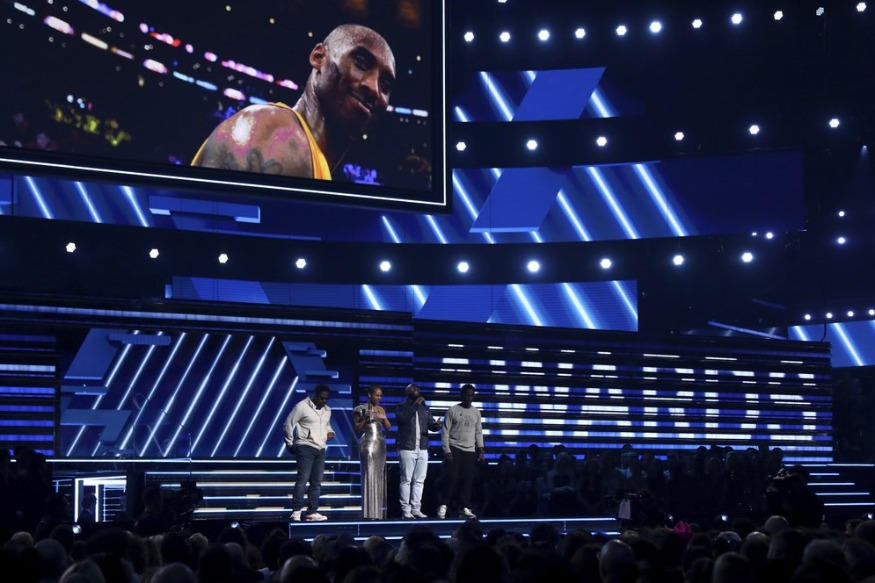 Grammy Awards honor Kobe Bryant with touching performance