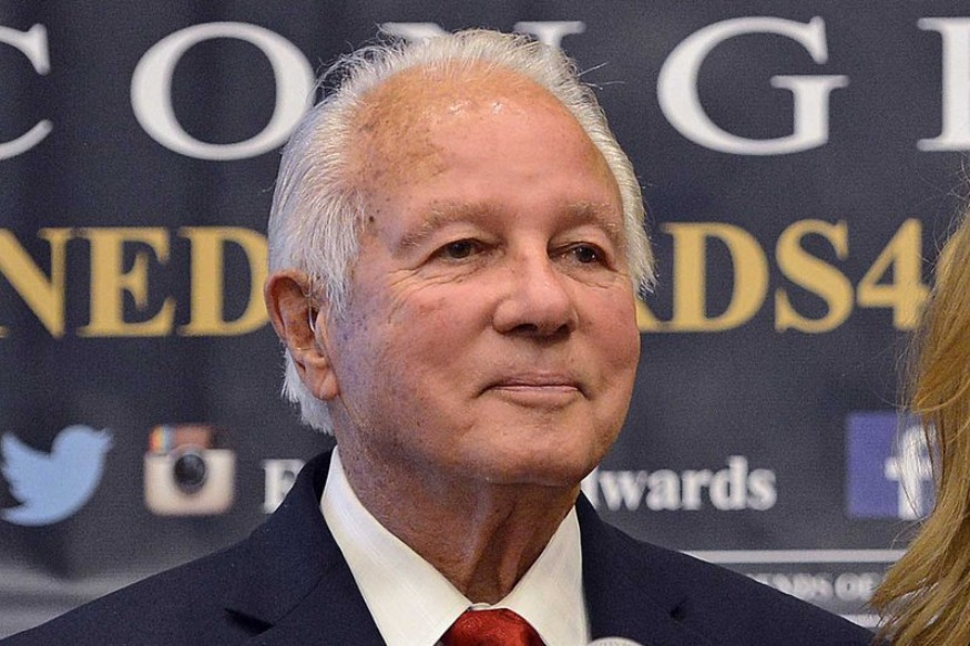 Edwin Edwards leaves hospital after treatment for pneumonia